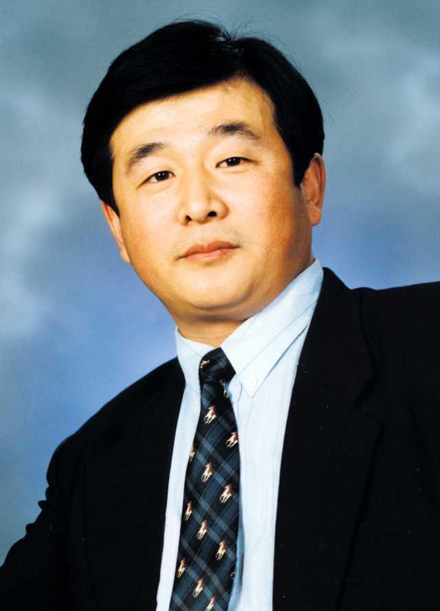Li Hongzhi ist der Begründer der aus China stammenden Qi-Gong-Bewegung Falun Gong (Falun Dafa).