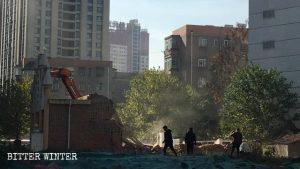 Drei Selbst-Kirche in Luoyang: Mitglieder angegriffen, Kirche zerstört