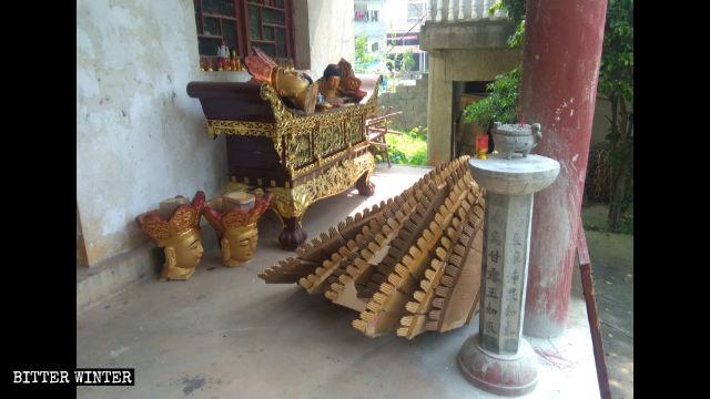 Abgerissene Guanyin-Statuen